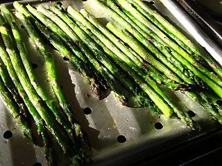 Asparagus broiled