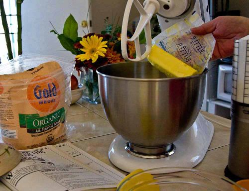 Poundcakec add butter