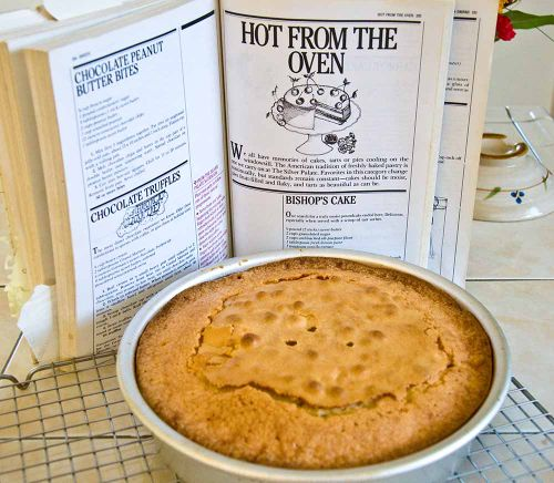 Poundcakem hot from oven