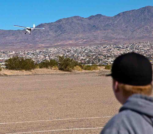 New plane ohter plane landing