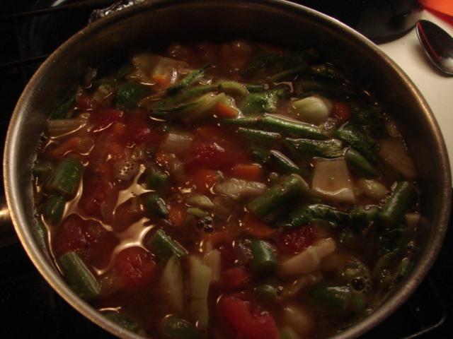 Soup_in_pot_2