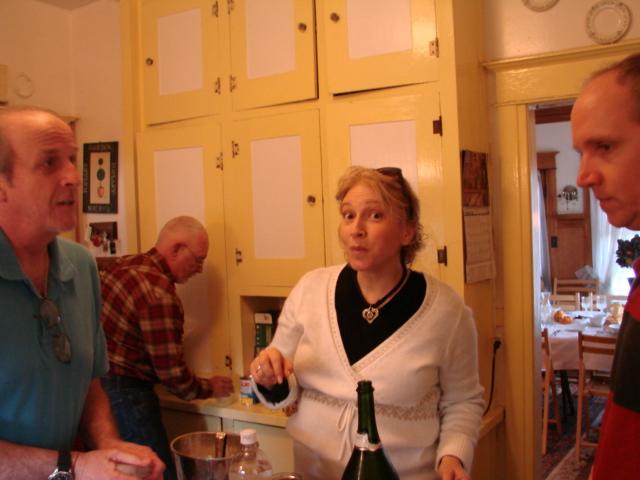 Cooks_in_kitchen