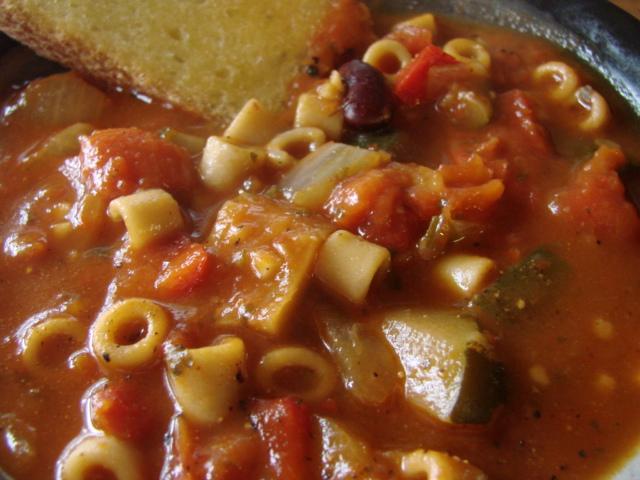 Minestrone_soup_3